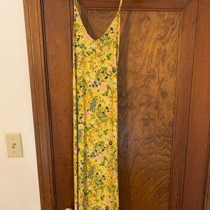 Beautiful Old navy maxi dress